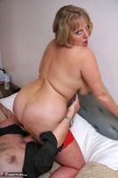 Curvy Claire. Threesome Fuck Pt2 Free Pic 6
