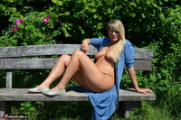 Sweet Susi. Naked On The Bench Free Pic 5