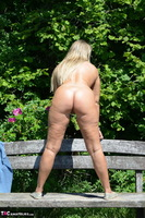 Sweet Susi. Naked On The Bench Free Pic 13