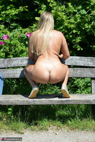 Sweet Susi. Naked On The Bench Free Pic 14