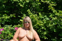 Sweet Susi. Naked On The Bench Free Pic 18