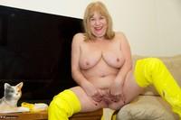 SpeedyBee. Yellow Bikini Free Pic 13