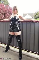 Posh Sophia. Slut In Latex Free Pic 1