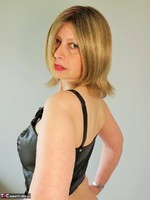 Posh Sophia. Slut In Latex Free Pic 19