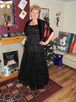 Tabitha. Merry Christmas Free Pic 1
