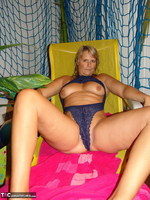 Sweet Susi. The Indoor Pool Free Pic 3