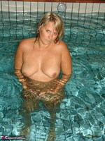 Sweet Susi. The Indoor Pool Free Pic 11
