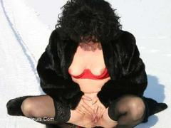 GermanIsabel - Snowflashing Gallery