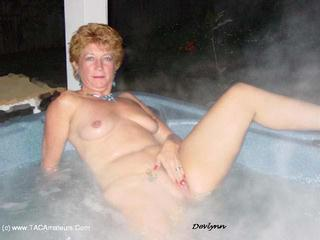 Devlynn - Devlynn enjoys the Hottub Picture Gallery