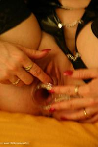 germanisabel - Speculum Fun Pt1 Free Pic 3