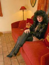 Thigh high boot fun Hi guys  ejaculate and see me wearing my thigh high boots, I look like a She-Devil  Isabel. Milf, cougar, european, boots