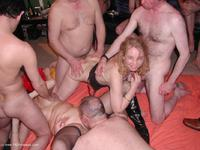juicyjo - JuicyJo n Honey Gangbang Free Pic 4