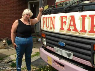 Jay Sexy - Jays Fun Fair Lorry Picture Gallery