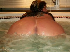 ThickChick - Hot Tub 2 Gallery