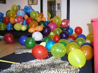 Angel Eyes - Bursting Balloons Pt1 Picture Gallery