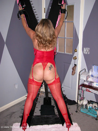 devlynn - Devlynn Visits the Dungeon Free Pic 3