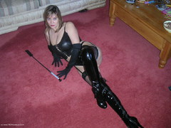 KinkyKatesHouse - Kinky Kate's Kinky Outfit Video