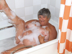 GrandmaLibby - Hotel Bubble Bath Photo Album