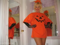 ruth - Merry Halloween Xmas Free Pic 1