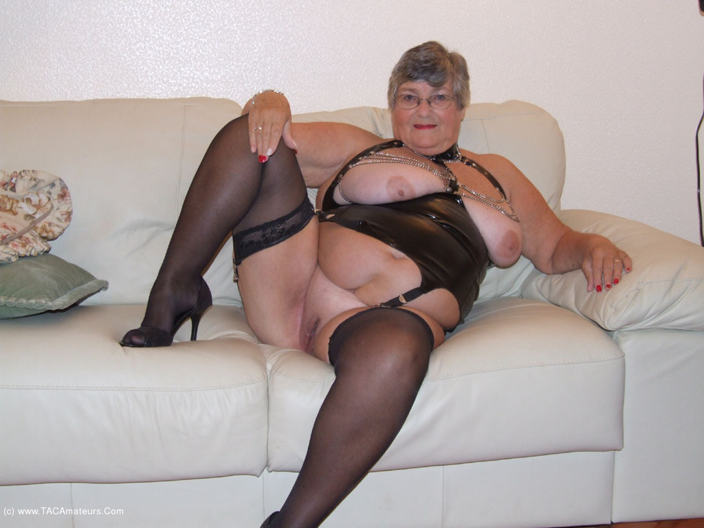 Horny granny just loves to fuck 7