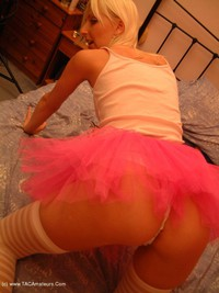 traceylain - Blonde In Pink Stockings Free Pic 2