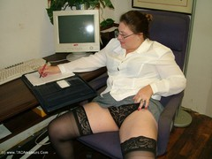 CuteMilfAmy - Office Girl Gallery