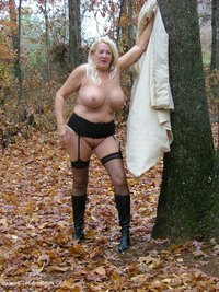 adonna - Out In The Rain Free Pic 4