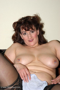 reba - I Take Good Care Of My Clients Free Pic 3