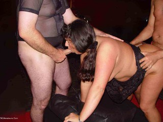 Horny Tina - I Lost A Bet Picture Gallery