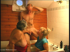 GrandmaLibby - BJ In The Bath Movie Pt2 Video