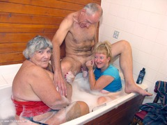 GrandmaLibby - 3 Some Bath Photo Album