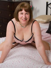 Professional photo shoot A professional photographer had asked to photograph me, well I allways enjoy working with different photographers so arr. Cougar, milf, bbw/curvy, big tits, united kingdom