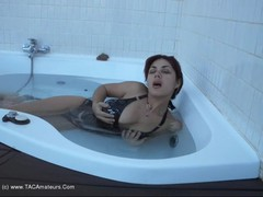 AmateurLove - Hot Tub Movie Video