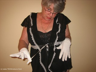 GirdleGoddess - Naughty Maid