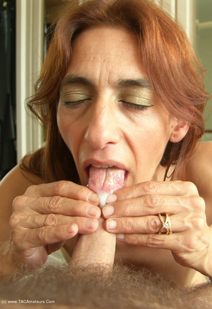 Jolanda Dildo And Cum Swallowing Free Pic 2