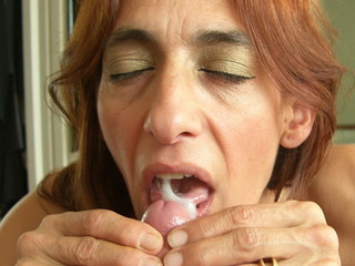 Jolanda - Dildo and cum swallowing