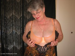 GirdleGoddess - Hot Cougar Photo Album