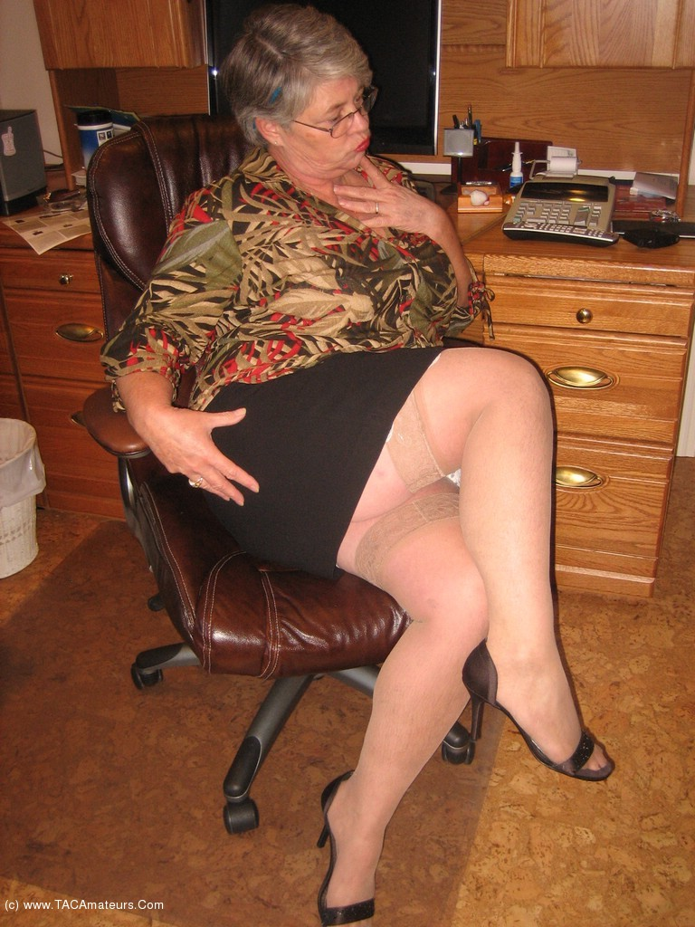image She definately wouldin pantyhose