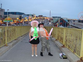 ValGasmic Exposed - Blackpool Flashing Picture Gallery