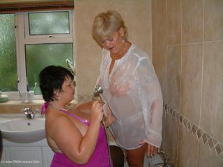 Double Dee - Shower Sex With Raz Video