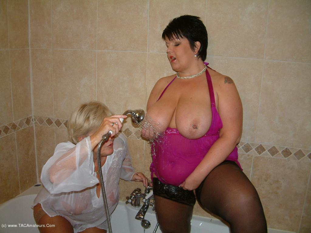 DoubleDee - Shower Sex With Raz scene 1