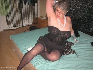 Girdle Goddess - Long Silver Gloves Picture Gallery