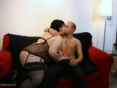 Double Dee - Cougar Girl Dee Video