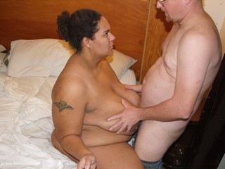 Curvy Baby Girl - Sex with my photographer Picture Gallery