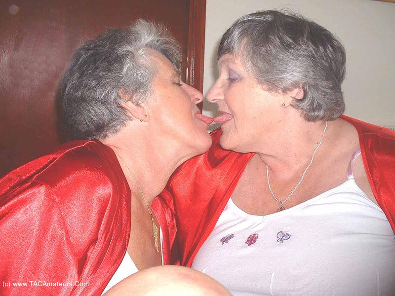 Granny Steph Porn - grandmalibby - Libby & Steph Free Pic 1