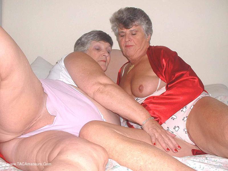 Granny Steph Porn - grandmalibby - Libby & Steph Free Pic 2