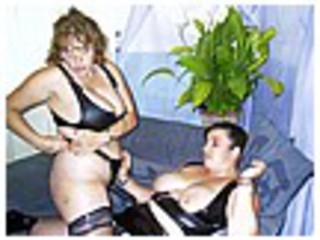 Curvy Claire - Strapon Fun With Kinky Kel Picture Gallery