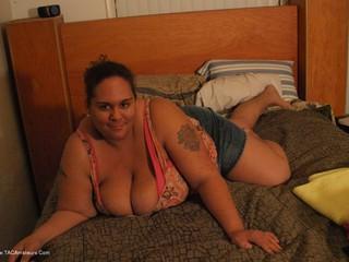 Curvy Baby Girl - Bedroom Fun Picture Gallery