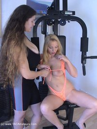 denisedavies - Hot Action at the gym Free Pic 1