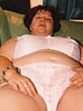 White bra  pants Bbw/curvy, big tits, united kingdom, milf, cougar